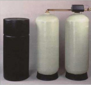 Dual tank water softener for commercial application